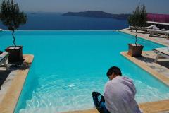 Santorini-Sam-web